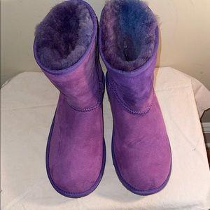 New pair of Tie dye purple Uggs size 6
